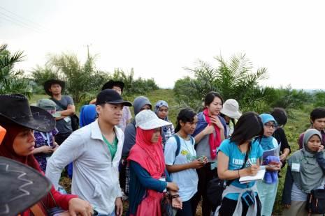 Dr. Rudi Afnan sensei and Dr. Faiz sensei gave us overview about palm oil plantation
